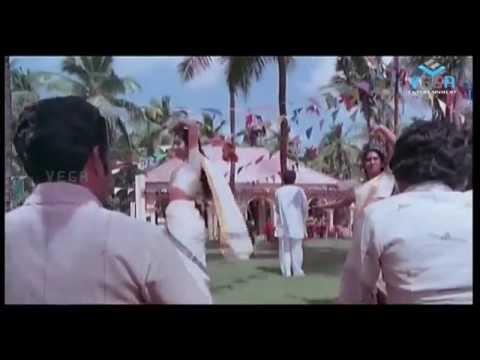 Chakravalam Chuvvannappol Movie  Mohanlal & Mammootty