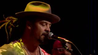 Michael Franti - When The Sun Begins To Shine (Live on eTown)