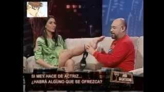 Así Somos: Salfate le chupa los dedos del pie a Mey Santamaría