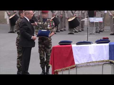 Cérémonie d'hommages au sergent Duval à Bayonne
