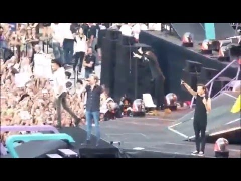 One Direction - Never Enough First Time Live