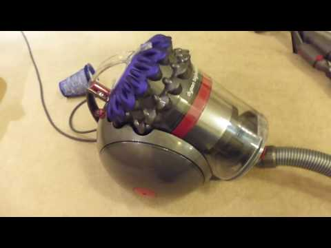 Features / First use: Dyson Big Ball Animal (2017) (UK) cylinder bagless vacuum cleaner