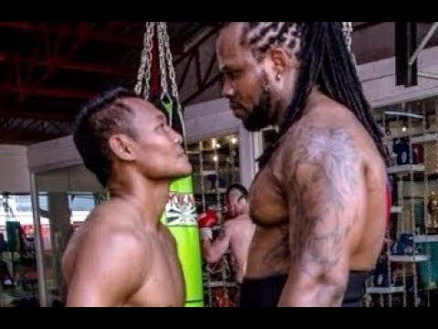 Size Of The Fight | Muay Thai Giant Slayer Saenchai