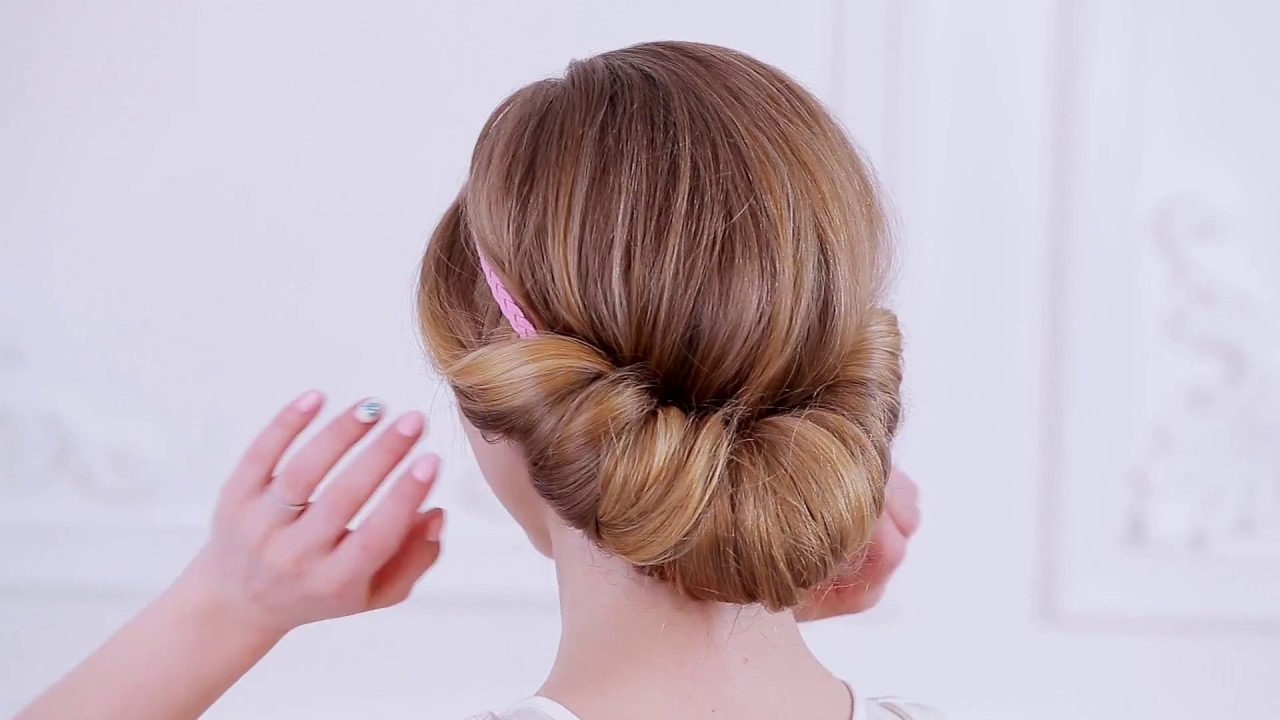 How To Create A Easy Chignon Updo Youtube