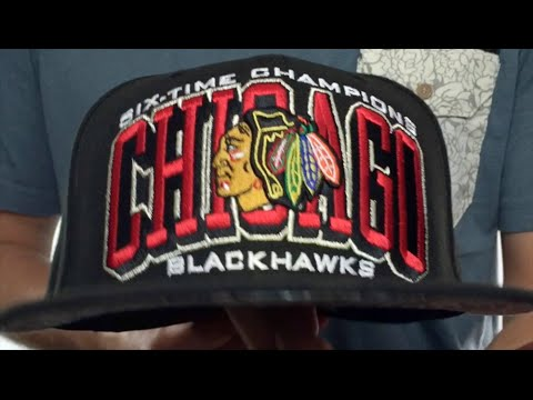 Blackhawks  6 TIME CHAMPS ARCH  Black Fitted Hat by New Era - YouTube 8302c1519