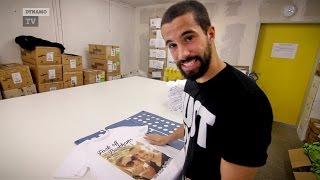Mit Nils Teixeira an der T-Shirt-Druckmaschine