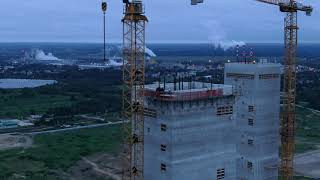 Aktywiści na wieżach elektrowni w Ostrołęce