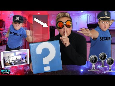 🚓 KID COP VS ROBBER CYBER SECURITY SPY BREACH! Pretend Play Cops And Robbers Game For Kids!