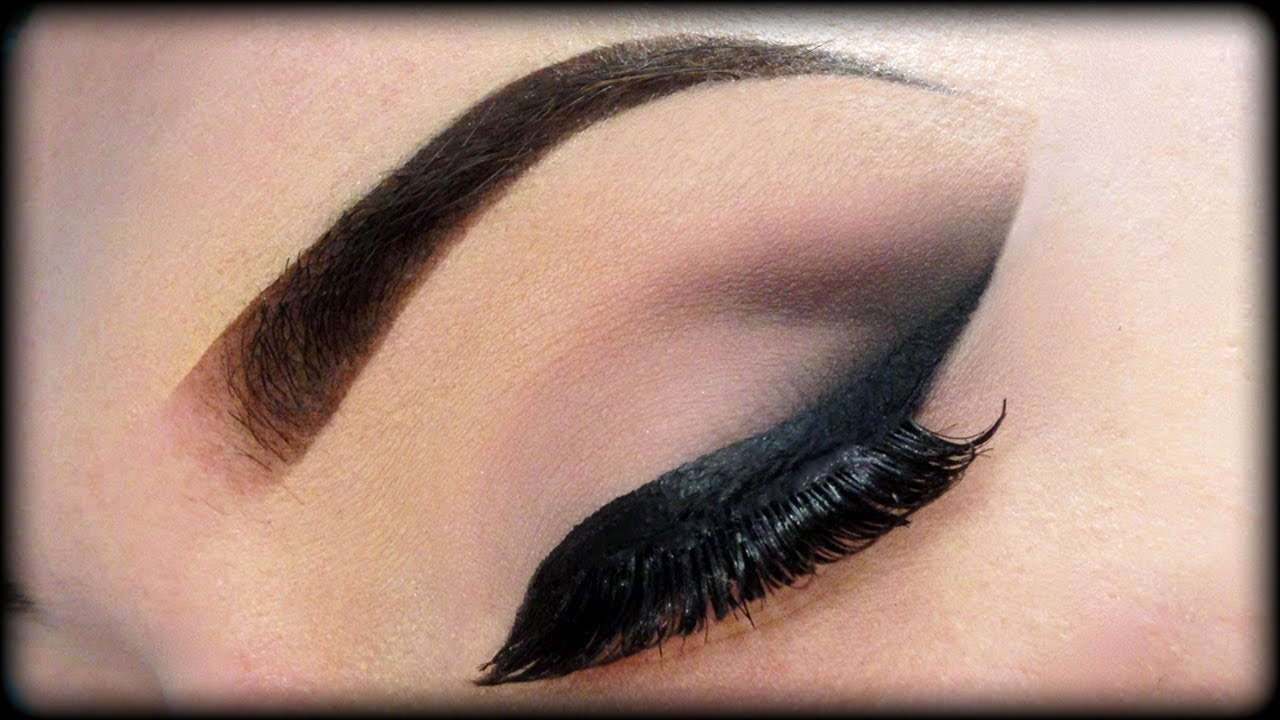 Y And Cly Neutral Make Up Tutorial 2 0 Night Out Look With An Arabian Twist You
