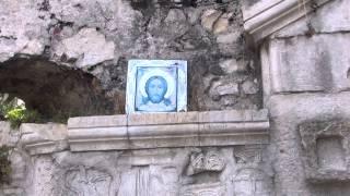 Иверская гора. Анакопия.  Иконы в часовне.(На горе расположена Часовня Иверской Богоматери, возведенная в 1913 г. новоафонскими монахами. Именно здесь..., 2015-03-06T19:01:39.000Z)