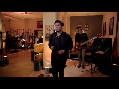 Bams - Kenangan Terindah (Samsons Cover) (Live at Music Everywhere) **