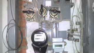 этажный щит после ремонта.mp4(для замены счетчика обратились в ЖЭК. Пришел электрик и заменил счетчик, но после его установки не поставил..., 2013-09-21T19:42:06.000Z)