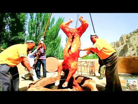 Целый ВЕРБЛЮД, Запечённый в Самом Большом ТАНДЫРЕ / Whole CAMEL In A TANDOOR / НЕОБЫЧНЫЕ Кухни Мира.