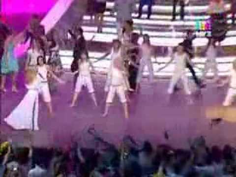 MARIDANS ballet & Вера Брежнева - /Выпускной в Кремле 2011 ...: http://www.youtube.com/watch?v=a14pFmhbYxM