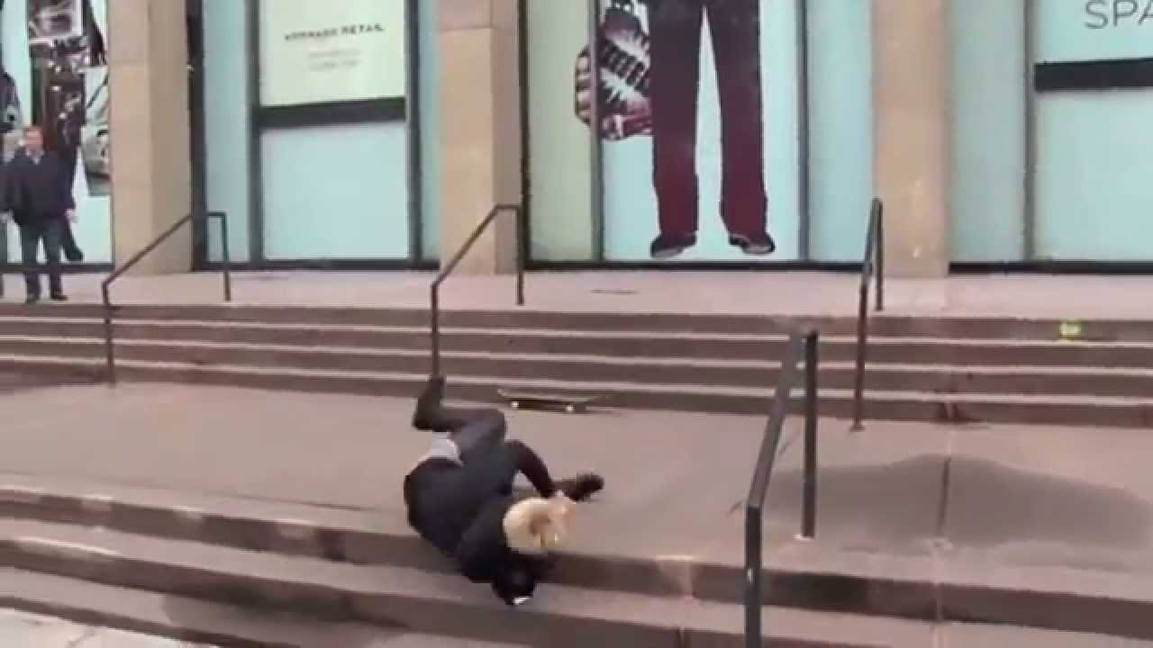 News Justin Bieber Skateboarding Video Falling Stairs Nyc