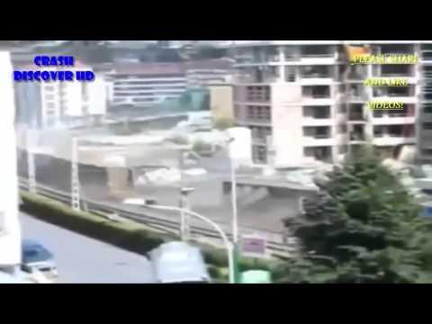 Видео схода вагонов в грузовом поезде