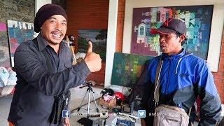Mang Dalit Ulin ka Kamar si Kepompong sareng Mamang Peyeum   Tukang Kurupuk Artis   ToscaVlog