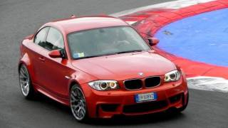 4 x BMW 1M Series Coupè SOUND In Action On The Track - Accelerations, Revs & More
