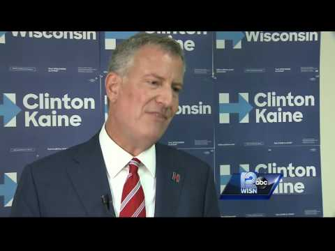 New York Mayor campaigns for Hillary Clinton in Milwaukee