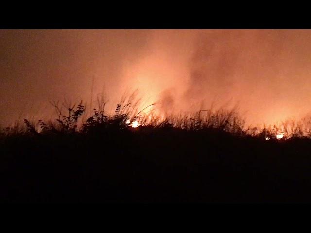 Incêndio no Lixão mobiliza autoridades após horas de trabalho em combate ao fogo