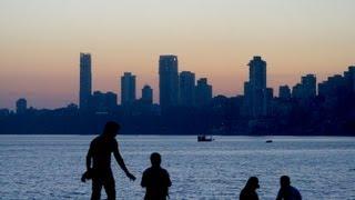 Tag103 Mumbai bei Nacht (Bombay), Indien - ReiseWorld Kreuzfahrt Weltreise