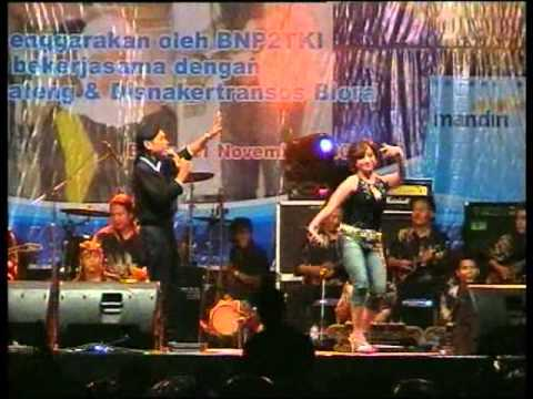 sido rondo with cak dikin feat ayu live in blora.flv