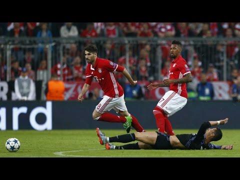 Javi Martinez Red Card vs Real Madrid (12/04/2017)