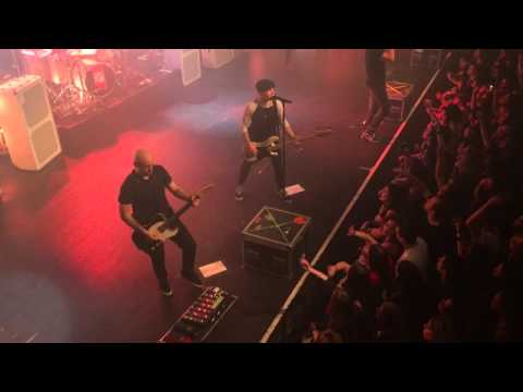 Simple Plan - Perfect World live from Lausanne, Switzerland