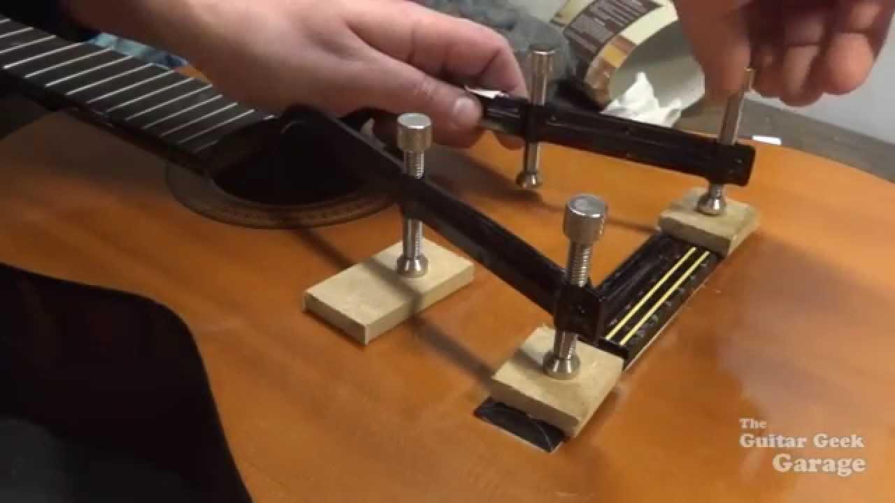 11 r paration d 39 un chevalet de guitare classique youtube. Black Bedroom Furniture Sets. Home Design Ideas