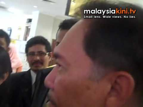Anwar vexed by reporter's question
