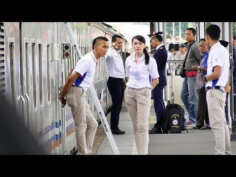 Keren Banget Ruang Tunggu Stasiunnya | Trip Report Cirebon-Jakarta KA Sawunggalih Eksekutif