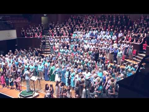 I'm Gonna Be (500 Miles), Gordano Gorgeous Chorus & Gurt Lush Choir, Colston Hall, 4th July 2015