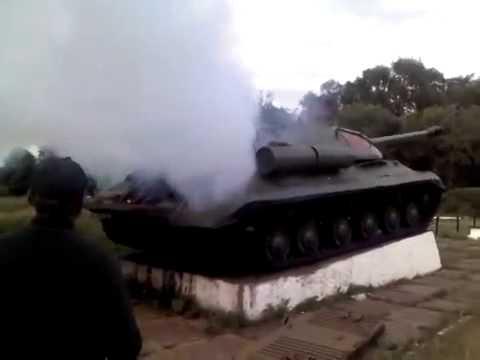 ukraine pro russian activists repaired museum exhibit tank is 3 youtube. Black Bedroom Furniture Sets. Home Design Ideas