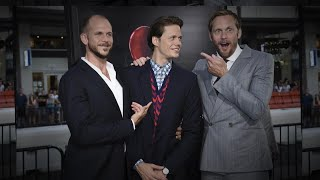 Download Video Alexander Skarsgard Scares His Brother Bill at 'It' L.A. Premiere MP3 3GP MP4