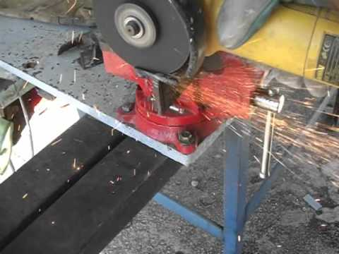 Corte de perfil en t con amoladora o radial youtube for Cortar madera con radial
