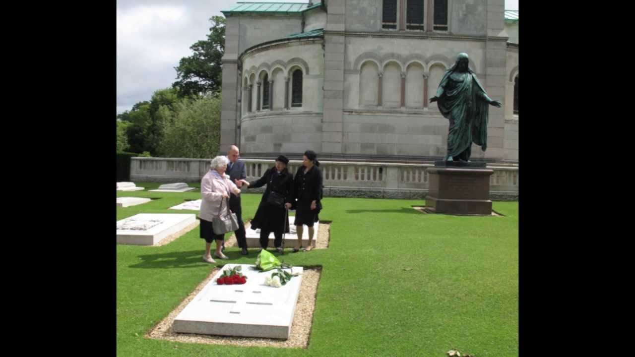 Njkv Prince Vladimir And Princess Brigitta Visit The Grave