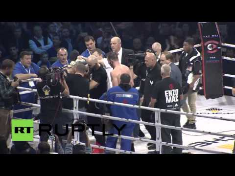 Russia: Roy Jones Jr. knocked out in fourth round by Welshman Maccarinelli