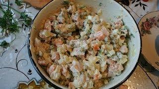 салат с копченой курицей и картошкой
