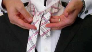 How To Tie A Tie | The Full Windsor Knot | How To Tie A Tie For Beginners