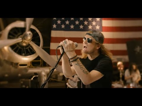 """Puddle Of Mudd release music video for """"Just Tell Me"""" off """"Welcome to Galvania"""" + tour"""