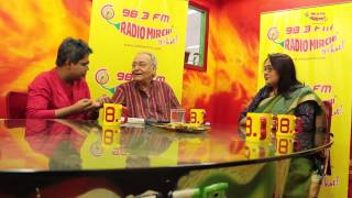 Soumitra Chattopadhyay with RJ Mir at Mirchi