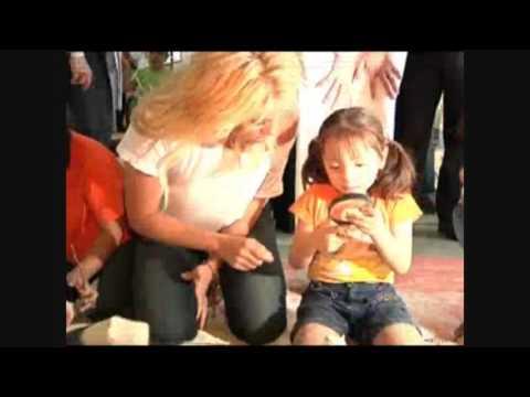 Cancún: Shakira y el gobernador Roberto Borge hacen alianza por la infancia
