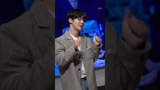 [세로직캠] 210410 위아이 팬사인회 'Diffus…