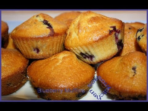 blueberry-muffins-/-muffins-cupcakes-aux-myrtilles--sousoukitchen