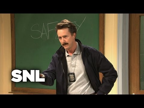 Shallon: Stranger Awareness - SNL