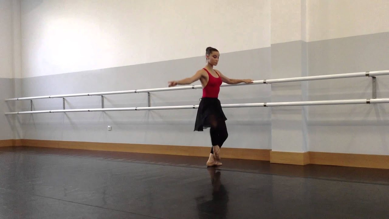 Academia de ballet en latex - 3 part 10
