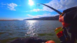 ВЕСЕННИЙ ЖОР НАЧАЛСЯ!!!АЖ СПИННИНГ ХРУСТИТ  рыбалка весной на спиннинг  2020
