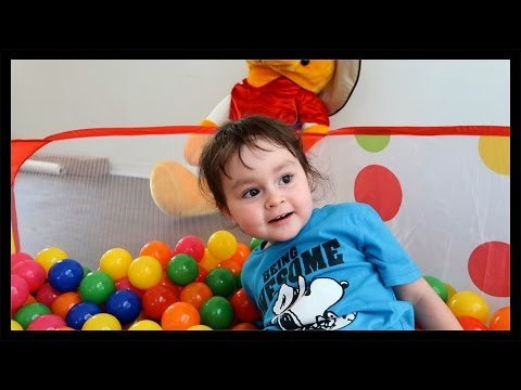 ball-pit-fun---kids-ball-pit-toy-review---ball-pit-with-basketball-hoop