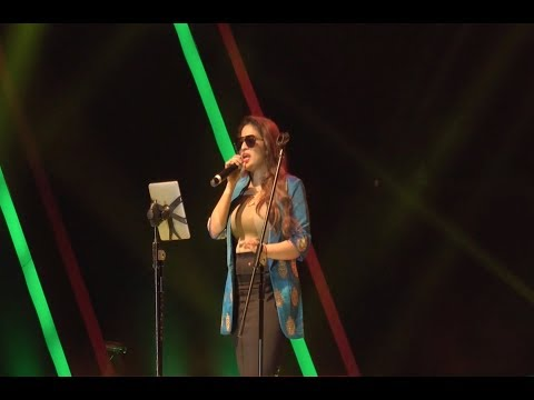 Senthoora- Bogan - Sunitha Sarathy LIVE (Camera Audio)