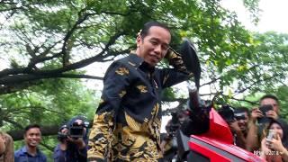 Jajal Motor Listrik Gesits di Istana, Presiden Jokowi: Kalau Sudah Produksi Saya Pembeli Pertama thumbnail